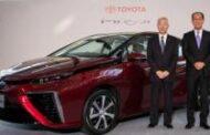 البدء ببيع سيارات تويوتا العاملة بالهيدروجين