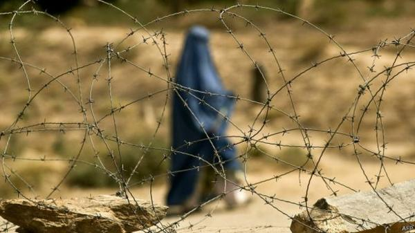 شبّان يقتلون امرأة حرقت القرآن