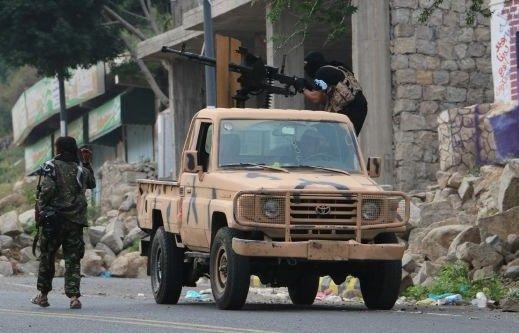 تبادل أسرى بين الحوثيين وقوات الشرعية مع بدء المحادثات