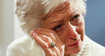 خيبة امل مبكية لجدّة التقت حفيدتها بعد 40 عاما
