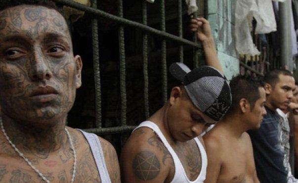 نسبة القتل في السلفادور ترتفع بنسبة 70 بالمئة في 2015