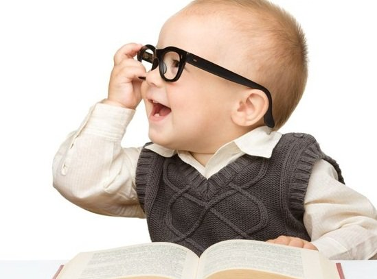 عمر الوالدة يحدد نسبة الذكاء عند الاطفال