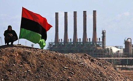 أكبر موانئ النفط تسقط بيد داعش في ليبيا