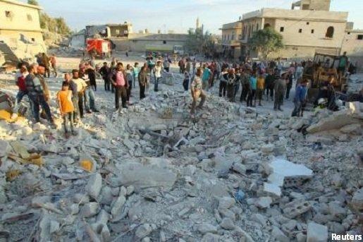 غارة روسية على بنش في ادلب تقتل 10 مدنيين