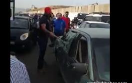 اصحاب الشاحنات في لبنان يعتدون على المواطنين