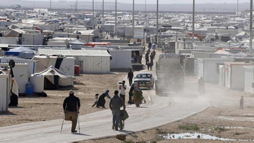 انفجار سيارة في مخيم للنازحين السوريين قرب حدود الأردن