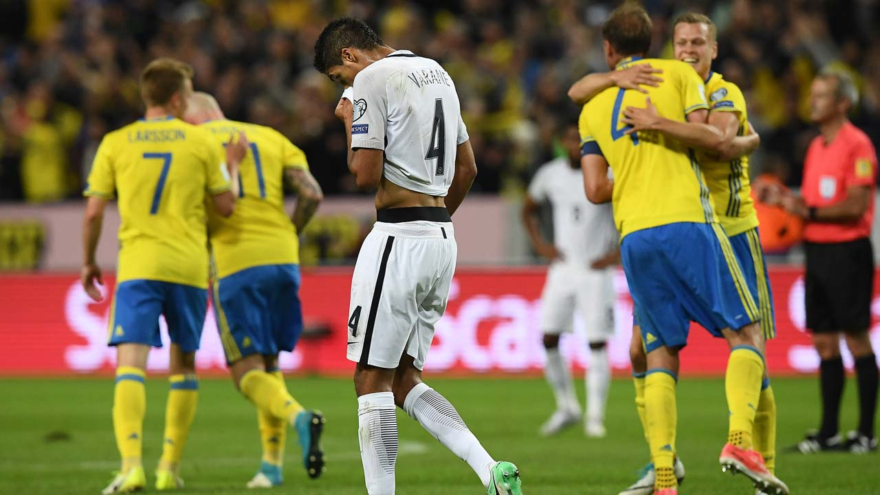 تصفيات أوروبا: فرنسا تخسر و رونالدو يتابع التألق مع البرتغال
