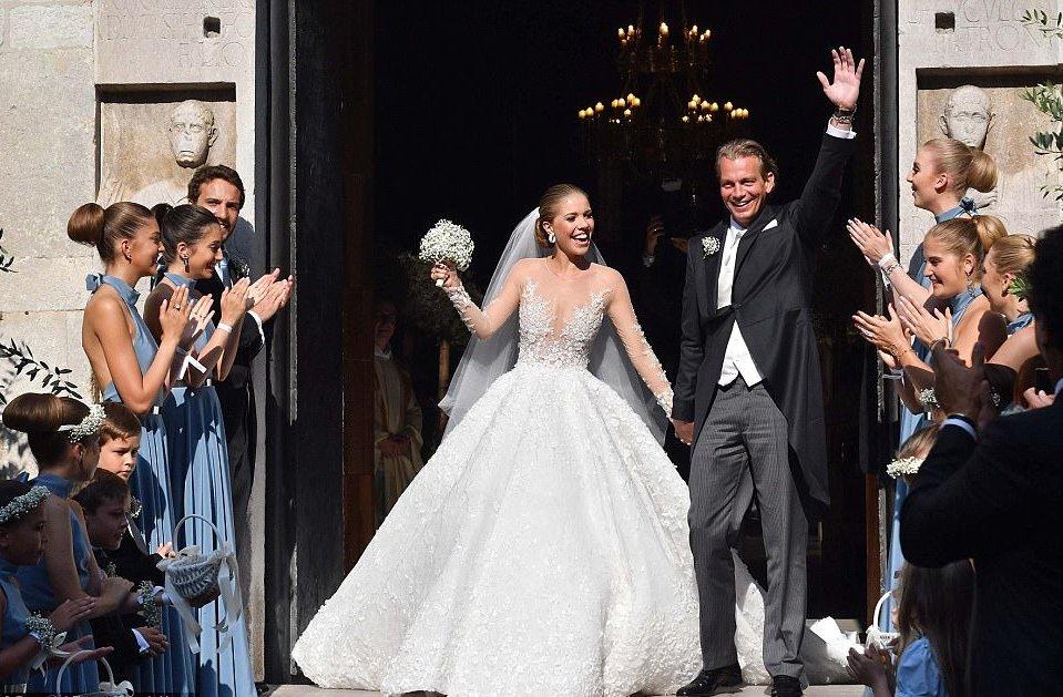 حفل زفاف فيكتوريا سواروفسكي في ايطاليا استمر ثلاث ايام