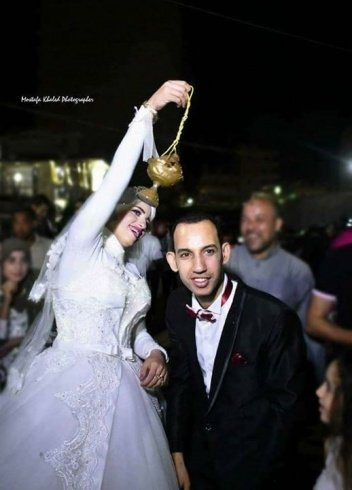 زفّة عروس عشرينية بفستان زفافها الى القبر