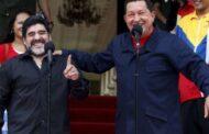 مارادونا يعلن وقوفه مع فنزويلا ورئيسها حتى الموت