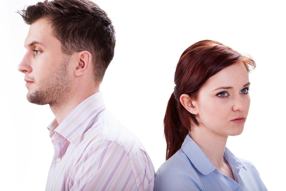 كيف تتصرفين مع عريسك في فترة الخطوبة؟