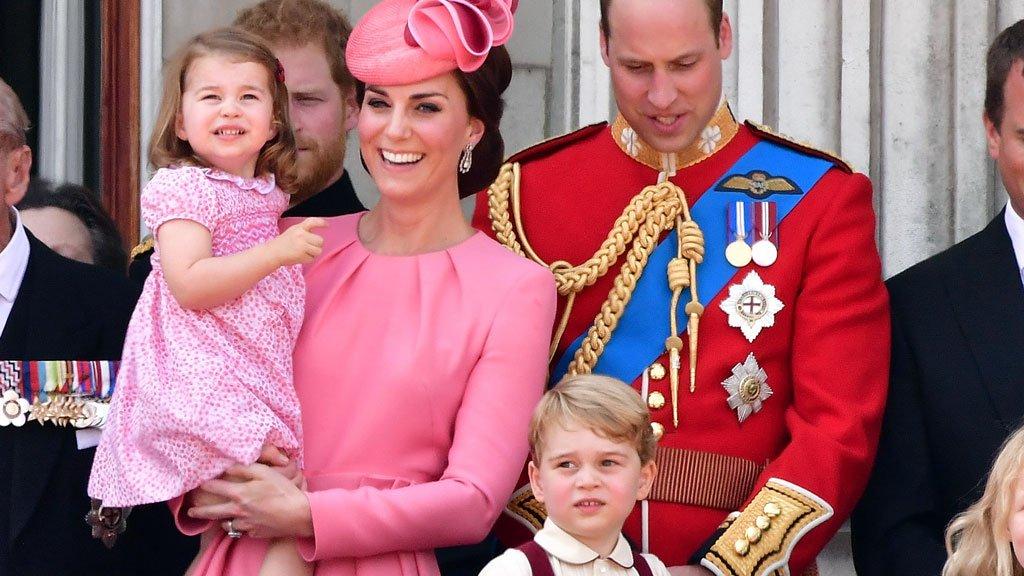 الأميرة كيت ميدلتون وزوجها وليام ينتظران مولودهما الثالث