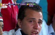 مصر تكافئ شابا بكى بحرقة بعد هدف الكونغو بشباك بلده