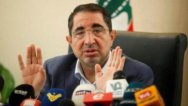 ابن شهيد في حزب الله يفضح وزير الصناعة ويهاجمه