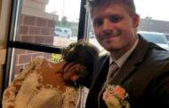 عروس تفقد نظرها ليلة زفافها بسبب بوكيه الورود