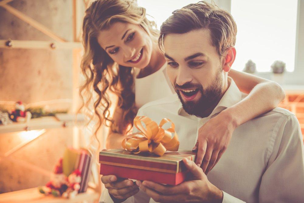 أفكار مميزة لمفاجأة عريسك في عيد ميلاده