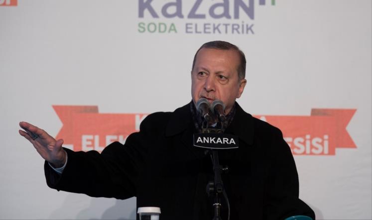 اردوغان يتوعّد بسحق امريكا في سوريا