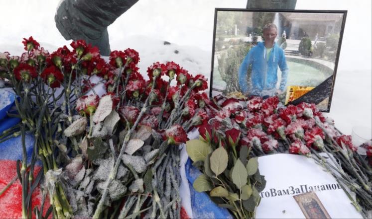 من سرق جثة الطيار الروسي من إدلب وسلمها لروسيا؟