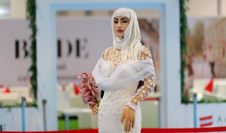 عروس سمينة وزنها 120 كيلوغرام ثمنها مليون دولار