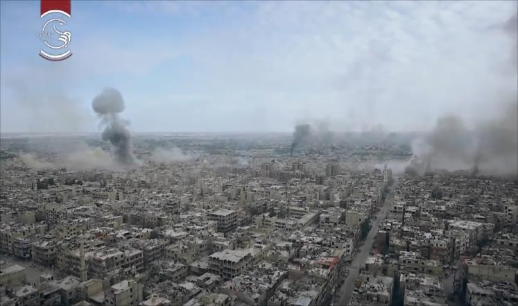 مئة غارة على مدينة دوما السورية بيوم واحد