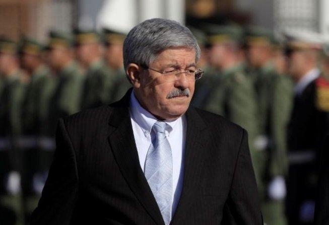 أحمد أويحي يعد بتحسّن اقتصاد الجزائر في 2018