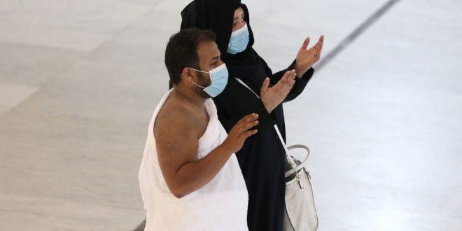السعودية تعلن الاكتفاء برفع الأذان وإيقاف الصلوات الخمس